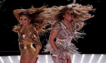 Le meravigliose Shakira e Jennifer Lopez durante lo show all'intervallo!
